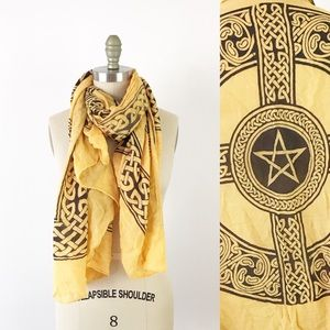 Celtic Knot Star Printed Soft Scarf Yellow Black
